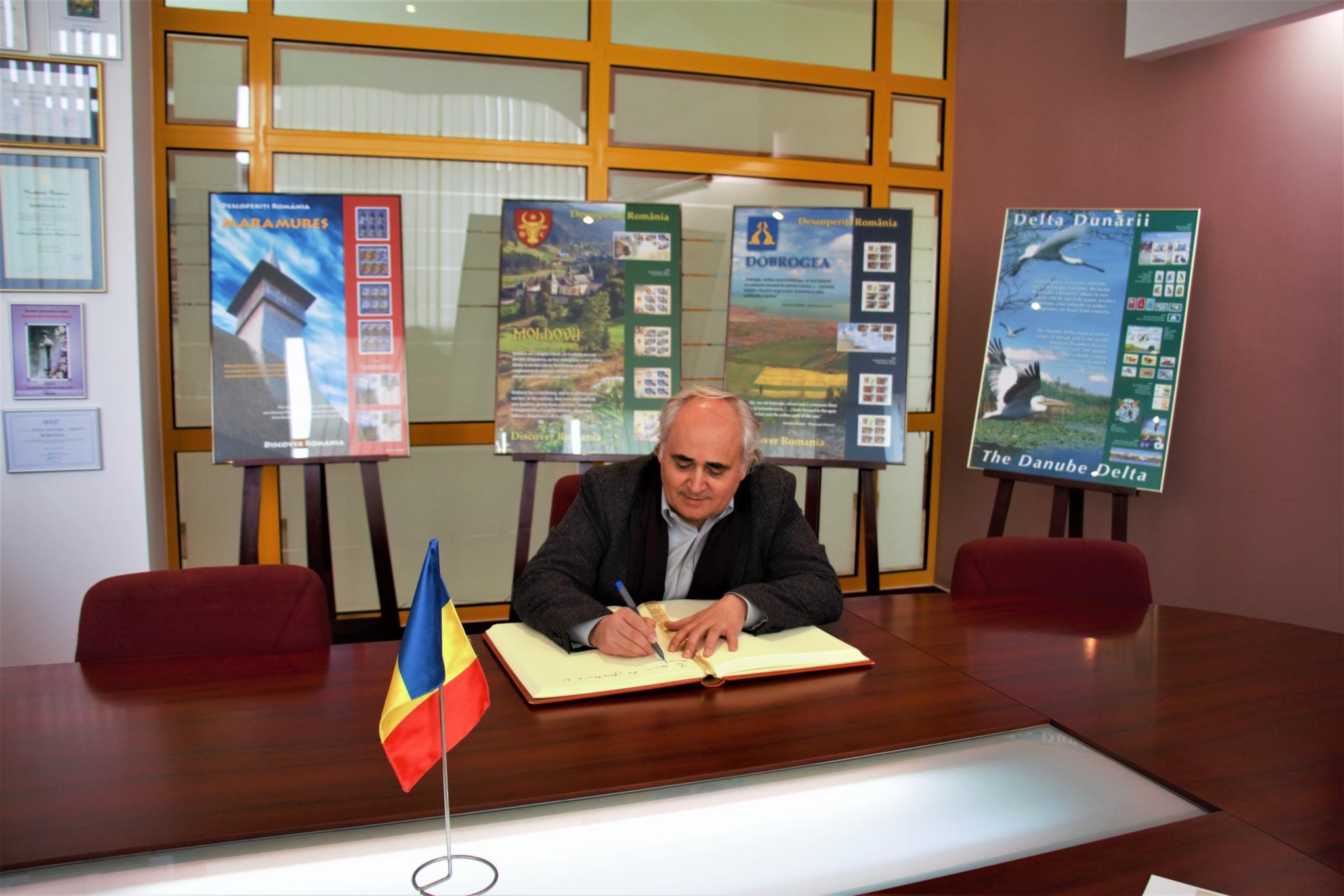 ROMÂNIA- REPUBLICA MOLDOVA -UN VEAC DE TEATRU ROMÂNESC LA CHIȘINĂU